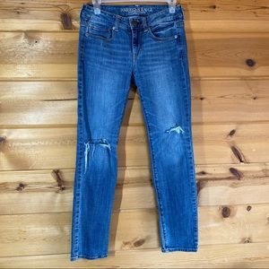 American Eagle 4 short skinny jeans distressed